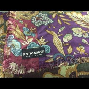 Pierre CARDIN FOLDED Fringe Triangle Gypsy Scarf
